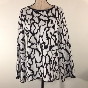 NWT Joan Vass Bell Sleeved Sweater. Size L
